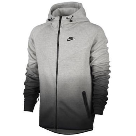 2b9d6fa1e838 Men s Nike fleece windbreaker tech fit. M 5bd037fbdf0307f2beef7822